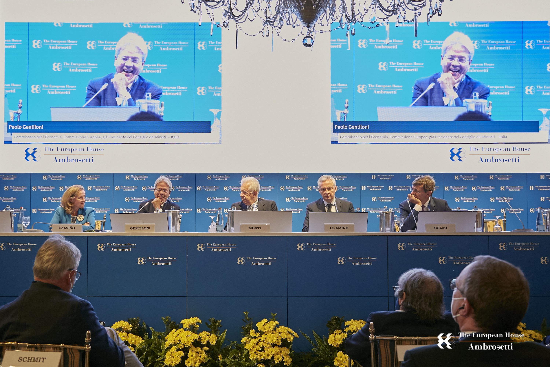 """Forum """"Lo Scenario di oggi e di domani per le strategie competitive"""" 2021"""